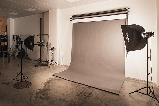 Equipement photo professionnel à disposition chez Oskar Studio